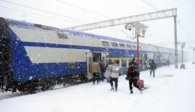 Foto: Călătorii vor primi ceai cald şi sandvişuri în tren