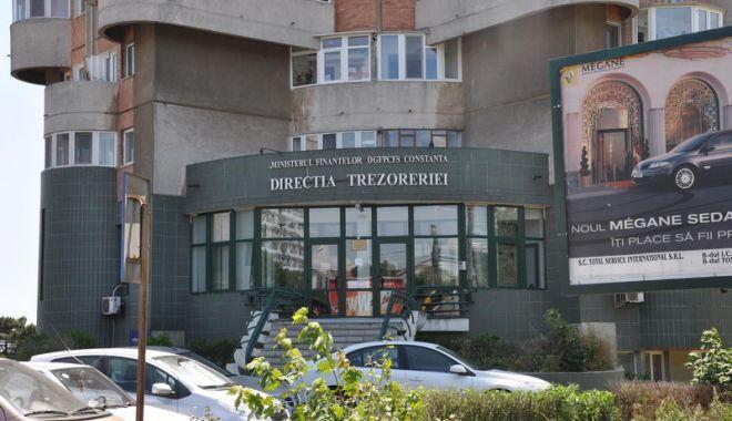 Foto: Trezoreria Constanţa de pe bulevardul 1 Decembrie 1918, închisă, mâine