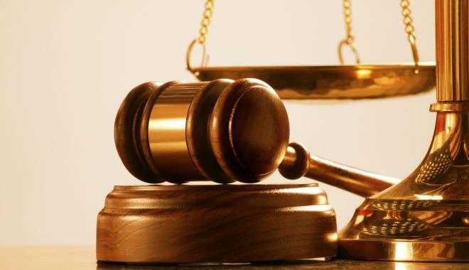 Condamnat la doi ani de închisoare pentru că şi-a abandonat familia - tribunal-1420642975.jpg