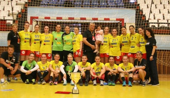 """Foto: Tricolorele şi-au adjudecat Trofeul  Carpaţi. """"Suntem pe drumul cel bun!"""""""