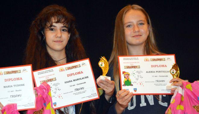 """Foto: Noi trofee  pentru Centrul """"Burada"""" -  filiala Cernavodă"""