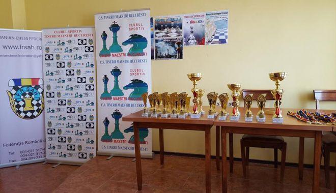 Trofeul Centrocoop la şah, cucerit de MM Andrei Istrăţescu - trofeu4-1535985130.jpg