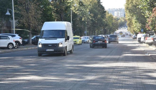 GALERIE FOTO. Trotuarele de pe bulevardul Tomis, refăcute - trotuare1-1538031660.jpg