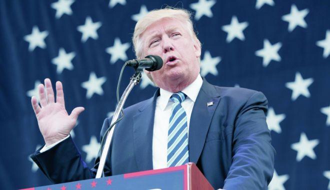 Foto: Trump acuză reţelele de socializare că cenzurează opiniile conservatoare