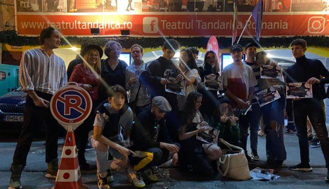 """Marele trofeu pentru piesa """"Trei jobene"""", prezentată de trupa constănțeană AICI - trupaaici-1632751448.jpg"""