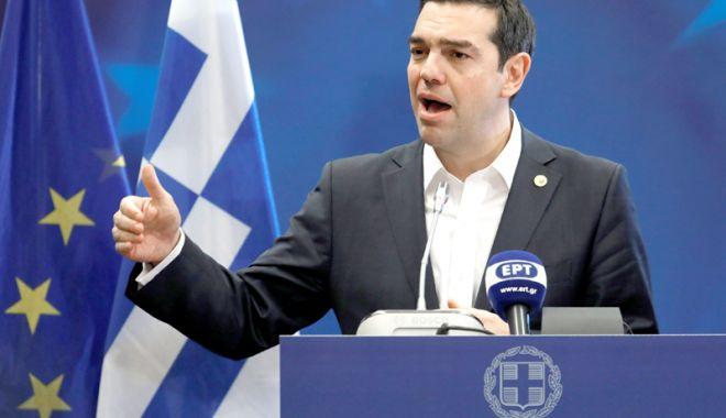 Foto: Tsipras rezistă! Parlamentul Greciei a respins moţiunea de cenzură