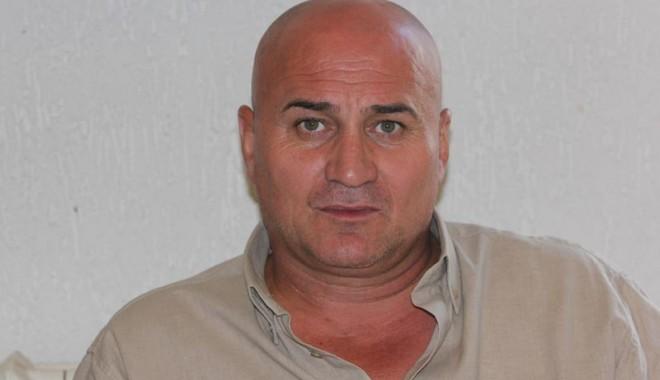 Primarul comunei Ciobanu, Tudorel Gurgu, acuzat că a bătut cu sălbăticie doi tineri - tudorelgurguciobanu1-1351714211.jpg
