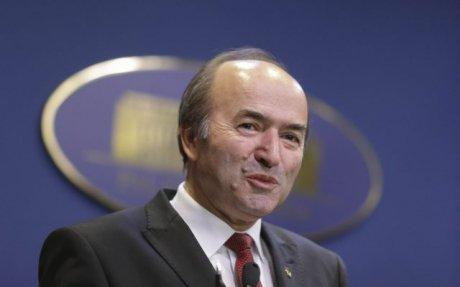 Foto: Toader: Am luat act de decizia premierului de a trimite solicitarea de revocare. Până la finalul programului anunţ dacă demisionez