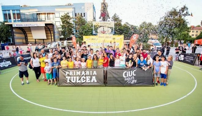 Foto: Tulcea Street Play! Constănţenii  au făcut show sub panou