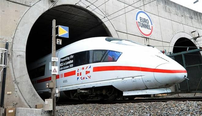 Foto: Mecanicii trenurilor care traversează Eurotunelul, șocați de numărul imigranților morți