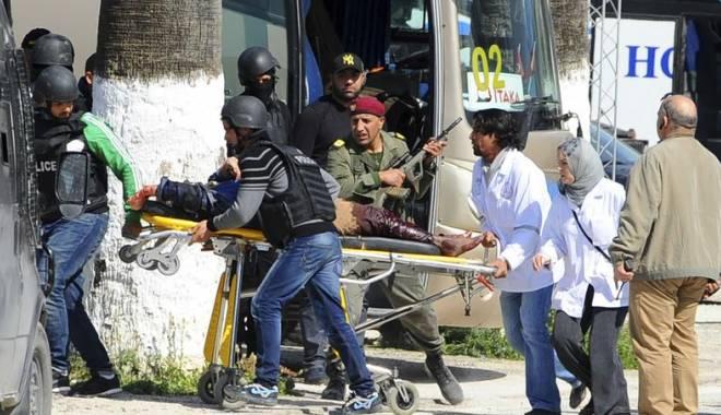 Foto: UPDATE. 19 TURIŞTI AU FOST OMORÂŢI în atacul de la Parlamentul tunisian / Galerie foto