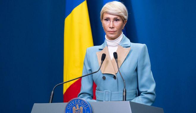Raluca Turcan: 270.000 de români vor merge la muncă în Germania, anul acesta - tur-1619276714.jpg