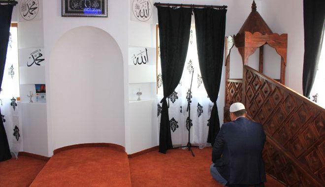 Slujbă de Ramazan Bayram, la Geamia Hunchiar din Constanța - turci-1620822565.jpg