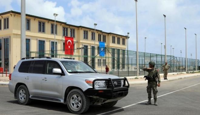 Foto: Turcia deschide o bază militară de mari dimensiuni, la Mogadiscio