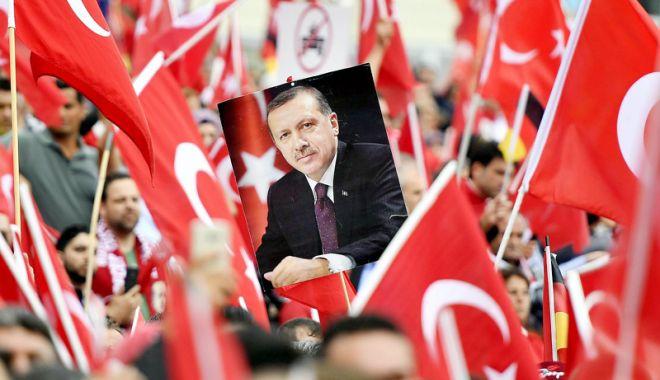 Foto: Turcia a emis un decret privind transferul de puteri către preşedinte