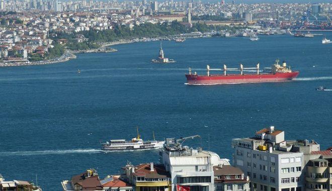 Foto: Turcia impune noi reguli pentru traficul maritim  din Bosfor  şi Dardanele