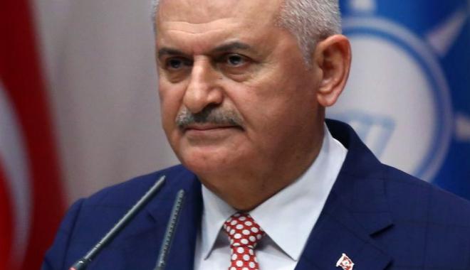 Foto: Premierul turc promite cele mai dure contramăsuri, după incidentul de la Rotterdam