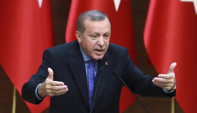 Foto: Turcia se poziţionează de partea Qatarului