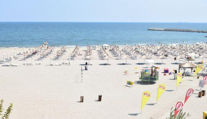 Foto: Turism de relaxare și nu de distracție, la mare, anul acesta