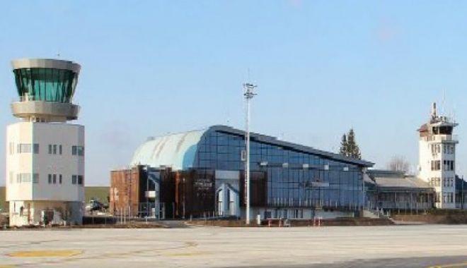 Foto: Noul turn de control al Aeroportului Suceava, nefolosit pentru că a fost proiectat greşit