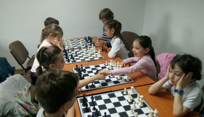 Foto: Turneu de şah rapid pentru juniori, organizat de CS Sissa