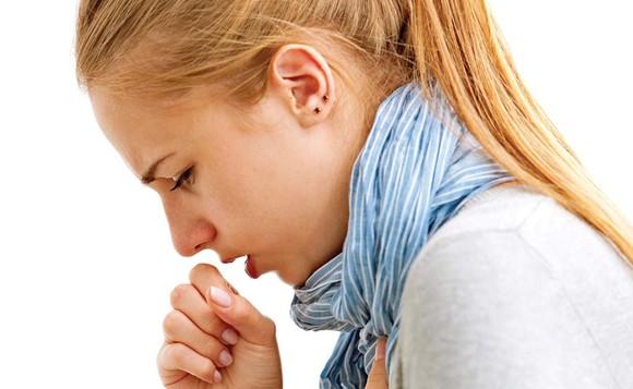 Semnal de alarmă! 4,5 milioane de români tratează anual răceala și durerile în gât cu antibiotic - tuse89123544515-1574077249.jpg