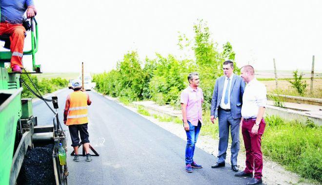 """Foto: Horia Țuțuianu: """"Am reușit ca într-un an de zile să finalizăm un contract început în 2009"""""""
