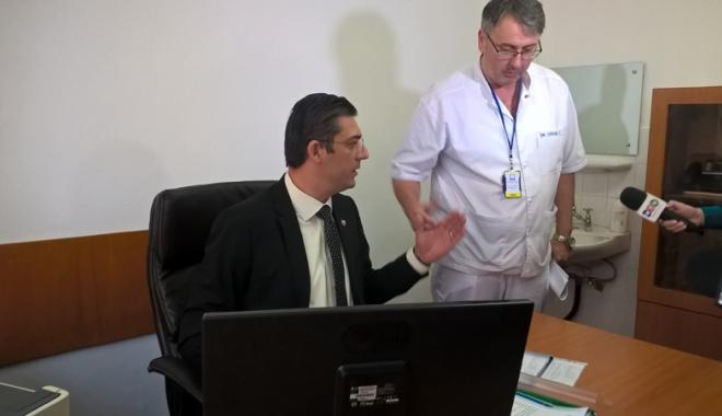 Foto: Intrarea în policlinica Spitalului Judeţean Constanţa,  complet refăcută