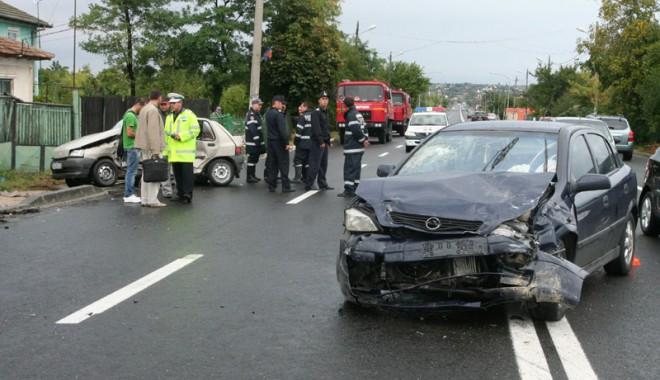 """""""O zi fără accidente rutiere"""" - tuzlaaccidentopelrenault15-1312912994.jpg"""