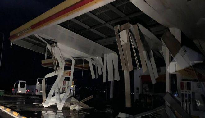 Foto: STARE DE URGENŢĂ! Furtună violentă în Halkidiki, doi turişti români au murit