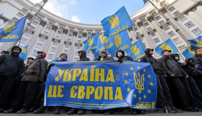 Foto: Ucraina cere 20 de miliarde de euro de la UE în schimbul Acordului de Asociere