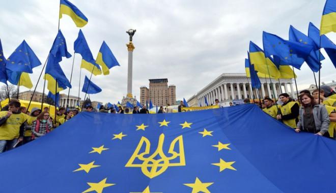 Ucraina va relua demersurile pentru semnarea acordului cu UE - ucraina-1389278132.jpg