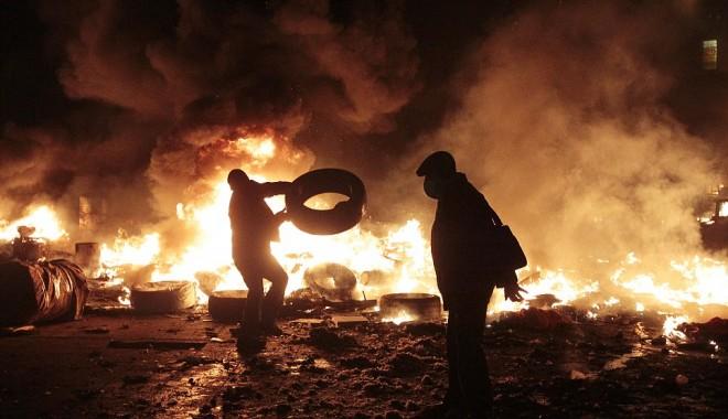 Foto: PROTESTE LA KIEV. Situaţie tensionată la nivel internaţional