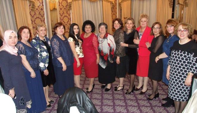 Foto: Implicarea femeii  de etnie turcă în societate,  prioritară pentru UDTR