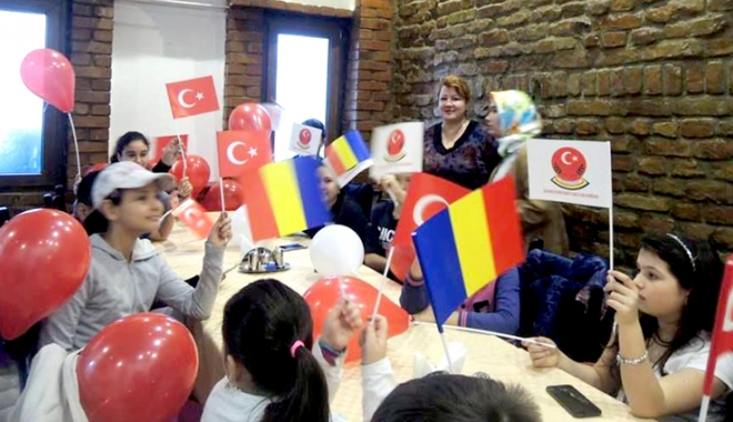 Foto: Ziua Copilului Turc, marcată de UDTR, la Constanţa