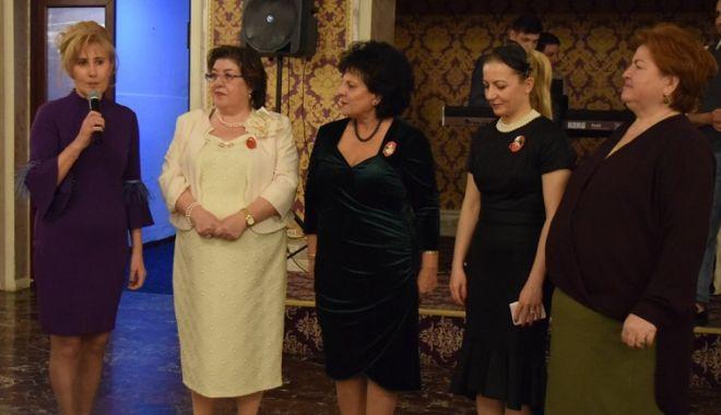 Foto: Simpozionul organizat de UDTR a reunit peste 300 de femei de etnie turcă