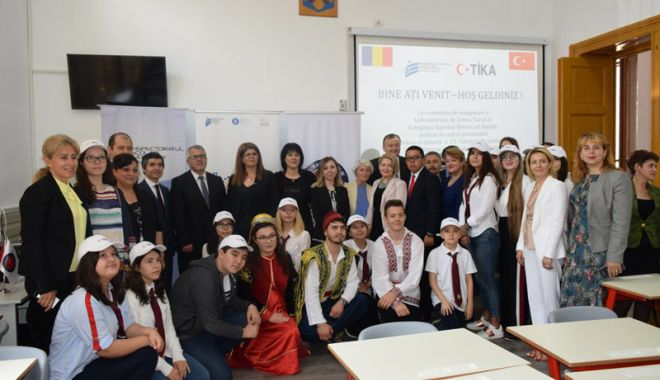 Foto: Ziua Limbii Turce, sărbătorită de UDTR cu premii pentru elevi