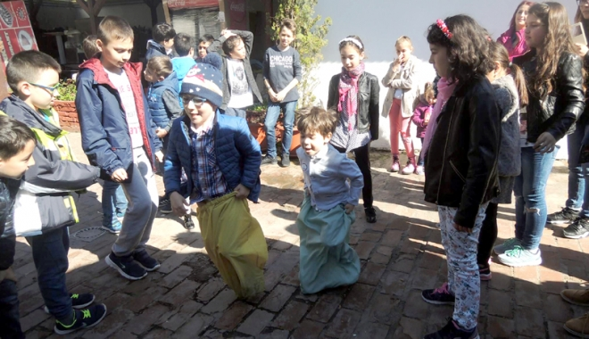 Ziua Copilului Turc, marcată de UDTR, la Constanţa - udtr3-1493305691.jpg