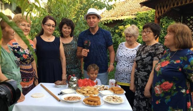 Foto: Tradiţiile tătarilor  din Dobrogea, în atenţia jurnaliştilor din Turcia