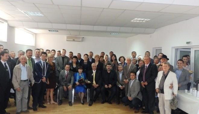 Foto: Primul deputat al tătarilor din România, Tasin Gemil, sărbătorit la sediul UDTTMR