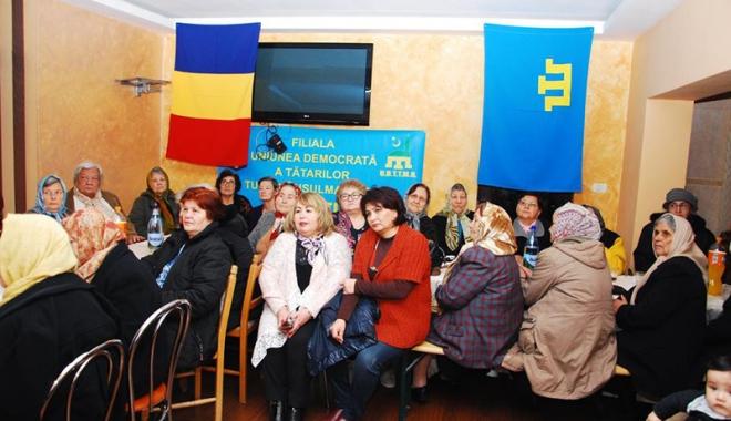 Peste 3.500 de membri ai UDTTMR au sărbătorit Ziua Etniei Tătare - udttmrmurfatlar-1513617225.jpg
