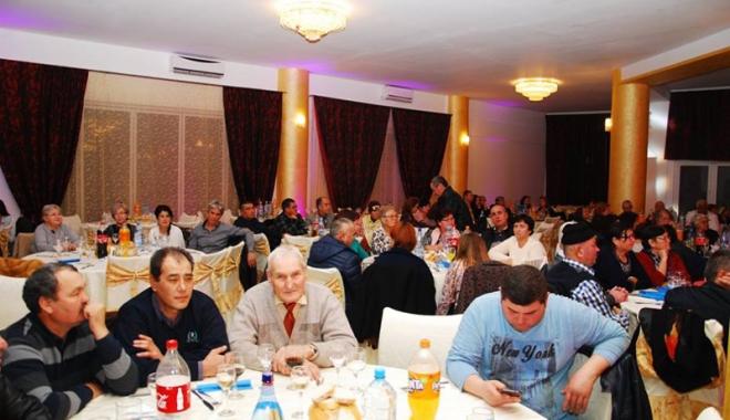 Peste 3.500 de membri ai UDTTMR au sărbătorit Ziua Etniei Tătare - udttmrvaluluitraian-1513617274.jpg
