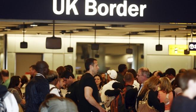 Foto: BREXIT. Ce spune Iohannis despre românii care muncesc în Marea Britanie
