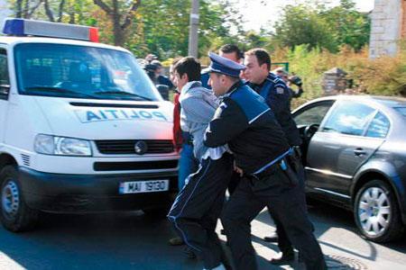 Închisoare pe viaţă pentru uciderea unui poliţist! Carmen Dan vrea pedepse mai mari şi pentru ultraj