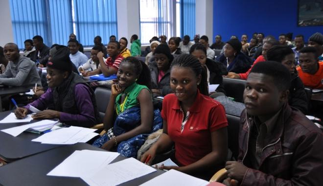 14 oficiali nigerieni de înalt rang, la Universitatea Maritimă - umcnigerieni-1464531077.jpg