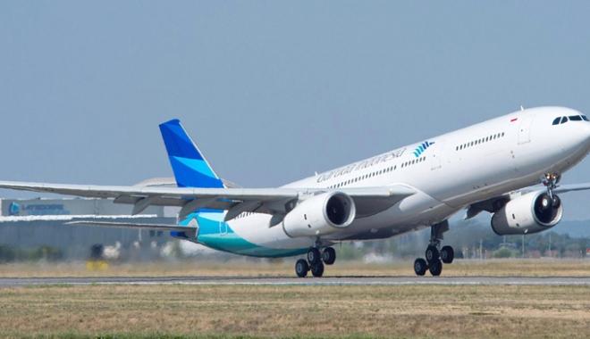 Foto: Avion de pasageri, ieşit de pe pistă, la aterizare