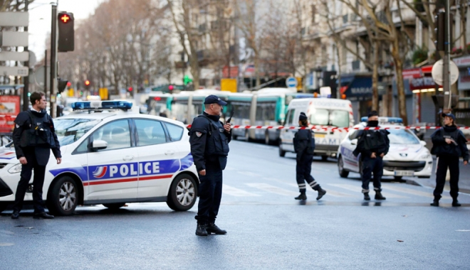 Foto: Un bărbat care a ameninţat cu uciderea lui Macron, încarcerat