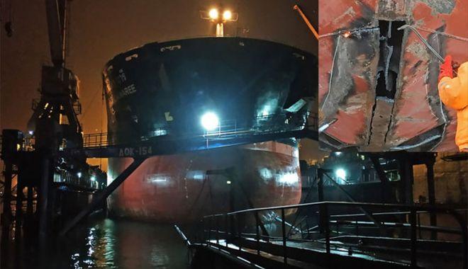 Foto: Un bulk carrier s-a avariat grav la ieșirea din portul Chornomorsk