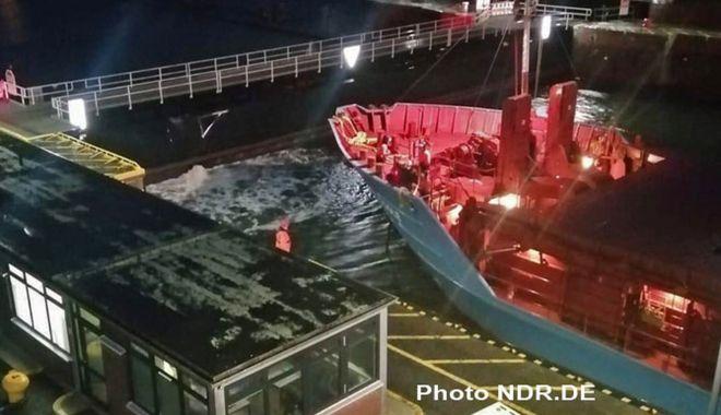 Un cargou a avariat o poartă ecluzei Canalului Kiel - uncargouaavariat-1615795623.jpg