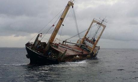Un cargou indian, în pericol de scufundare - uncargouindianinpericoldescufund-1530449303.jpg